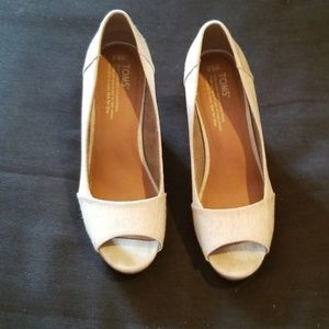 toms canvas wedge heels size 8.5